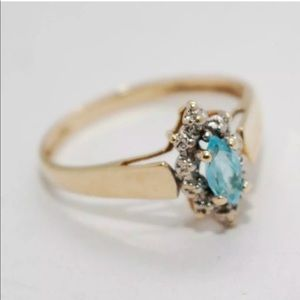 10k Yellow Gold Aquamarine Marquise Ring
